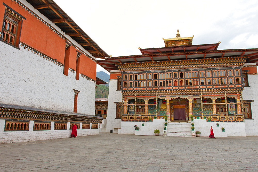 The Tashi Chho Fortress and Buddhist monks, Thimphu, Bhutan, Asia