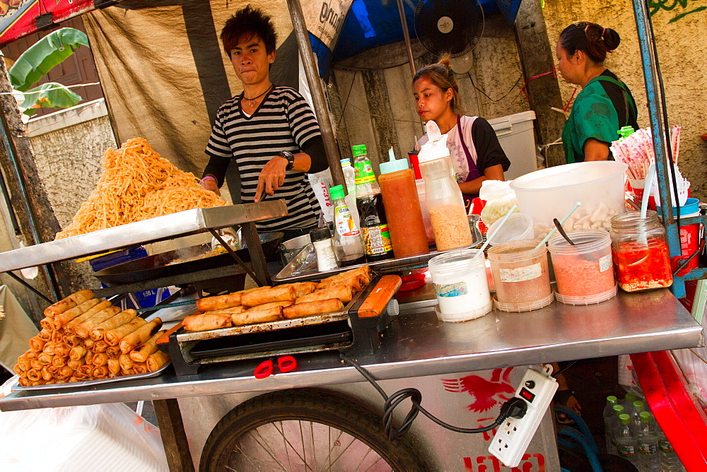 Food on the streets of Bangkok, Thailand, Southeast Asia, Asia - 1262-174