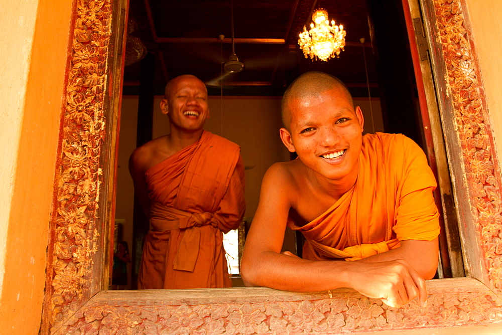 Monks of Wat Damnak, Siem Reap, Cambodia, Indochina, Southeast Asia, Asia