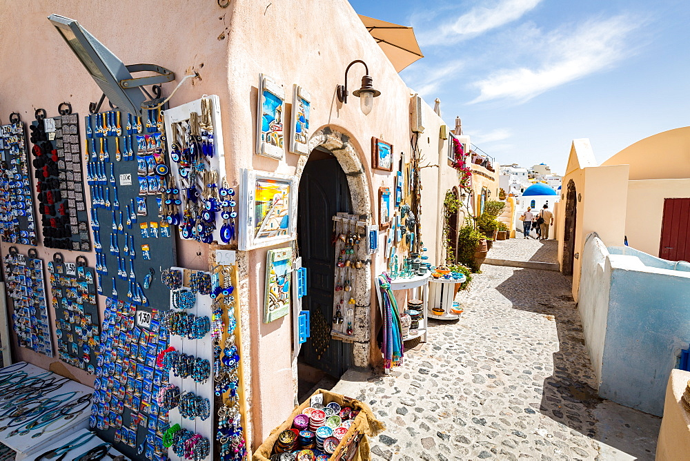 Souvenir shops selling pictures, magnets and jewellery in Oia, Santorini, Cyclades, Greek Islands, Greece, Europe - 1263-34