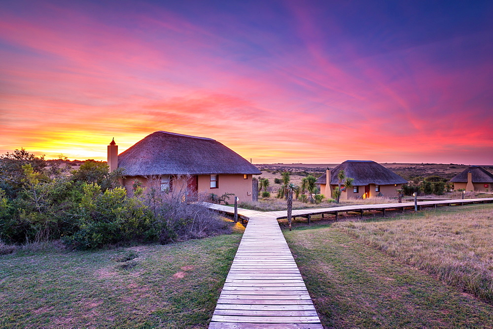 Hlosi Game Lodge during a spectacular sunset over the Amakhala Game Reserve on the Eastern Cape, South Africa, Africa - 1263-78