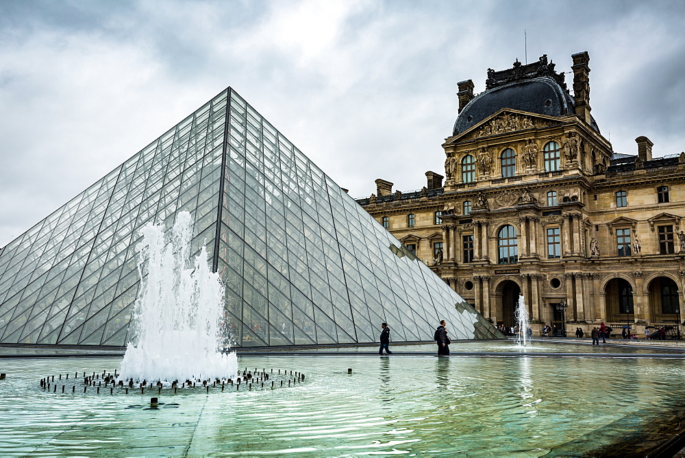 The large pyramid sits in the main courtyard and is the main entrance to the Louvre Museum, Paris, France, Europe - 1263-82