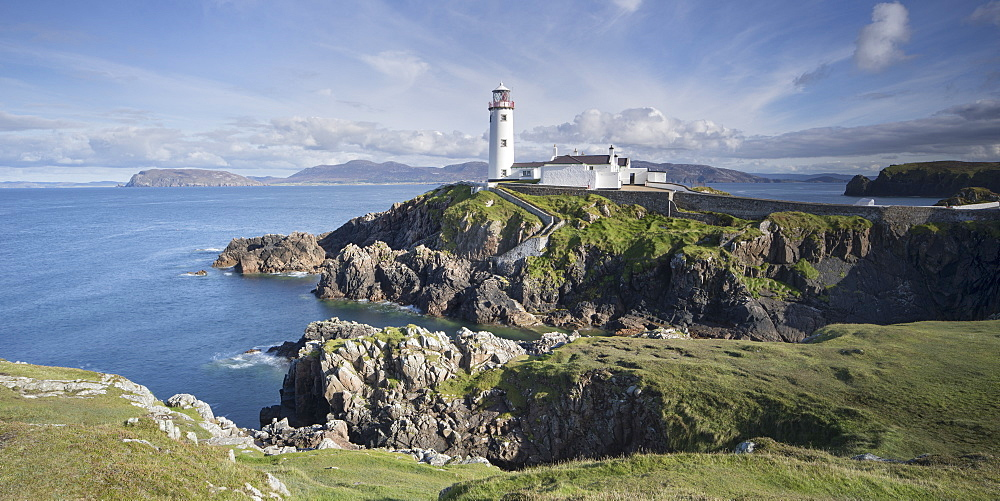 Fanad Head Lighthouse on the north western tip of Ireland, part of the Wild Atlantic Way, County Donegal, Ulster, Republic of Ireland, Europe - 1266-48