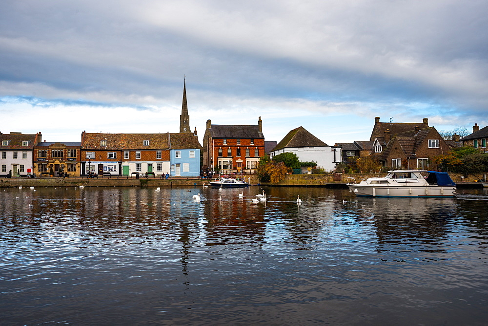 River Great Ouse, St. Ives, Cambridgeshire, England, United Kingdom, Europe