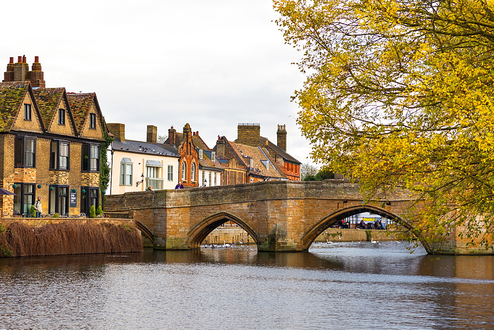 River Great Ouse at St. Leger Chapel Bridge, St. Ives, Cambridgeshire, England, United Kingdom, Europe