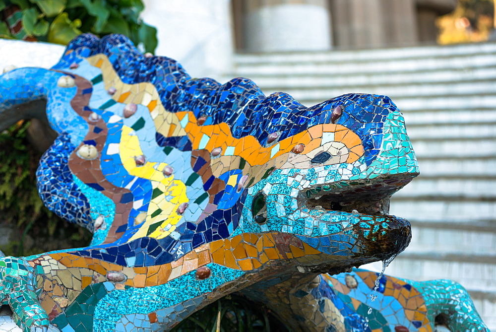Gaudí's multicolored mosaic salamander, popularly known as 'el drac' (the dragon), at Park Güell, Barcelona, Catalonia, Spain. - 1267-198