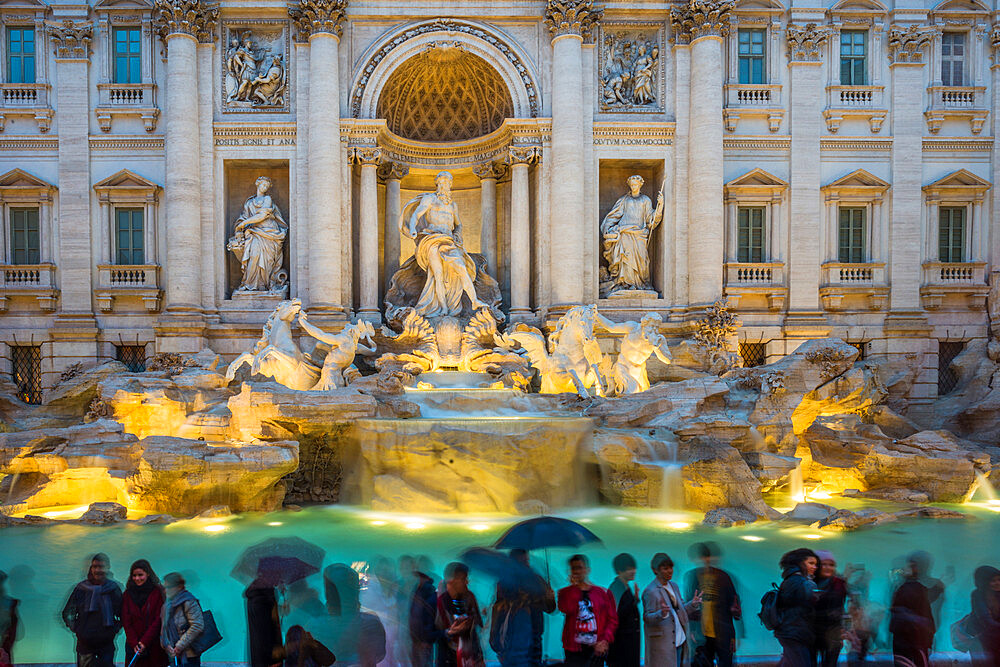 Trevi Fountain at dusk and in the rain, Rome, Lazio, Italy, Europe - 1267-307