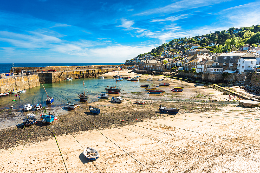 The picturesque fishing village of Mousehole, Cornwall, England, United Kingdom, Europe - 1267-476