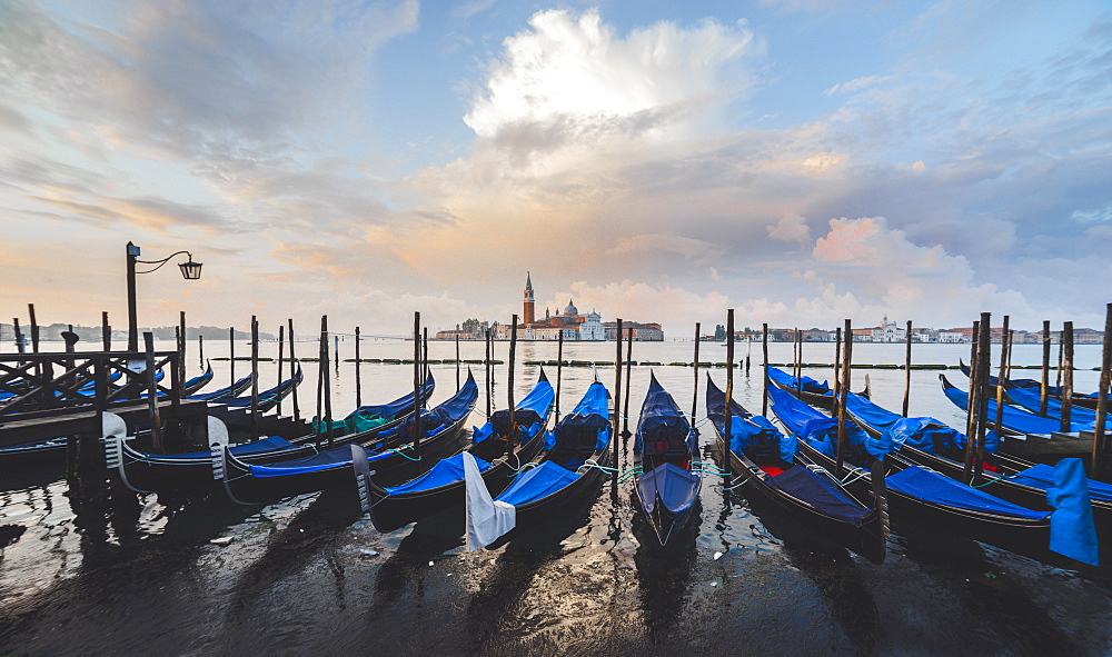 Gondolas, Venice, UNESCO World Heritage Site, Veneto, Italy, Europe - 1268-14