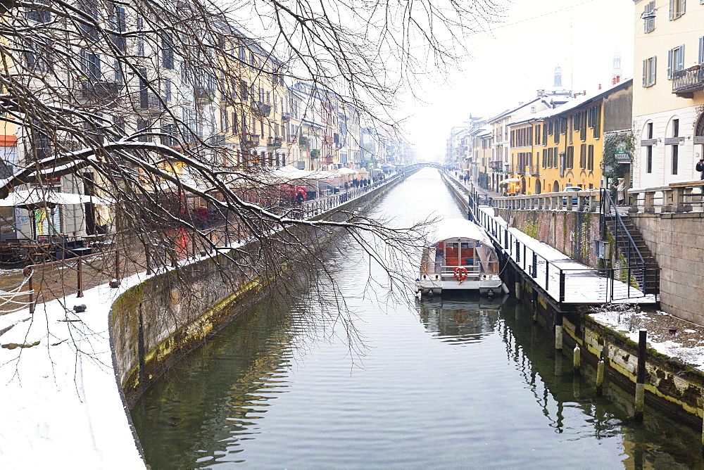 Naviglio Grande after a snowfall, Milan, Lombardy, Northern Italy, Italy, Europe - 1269-93