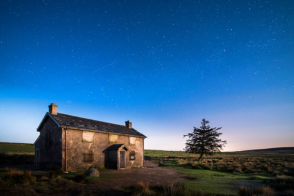 Nuns Cross Farm under stars, Dartmoor National Park, Devon, England, United Kingdom