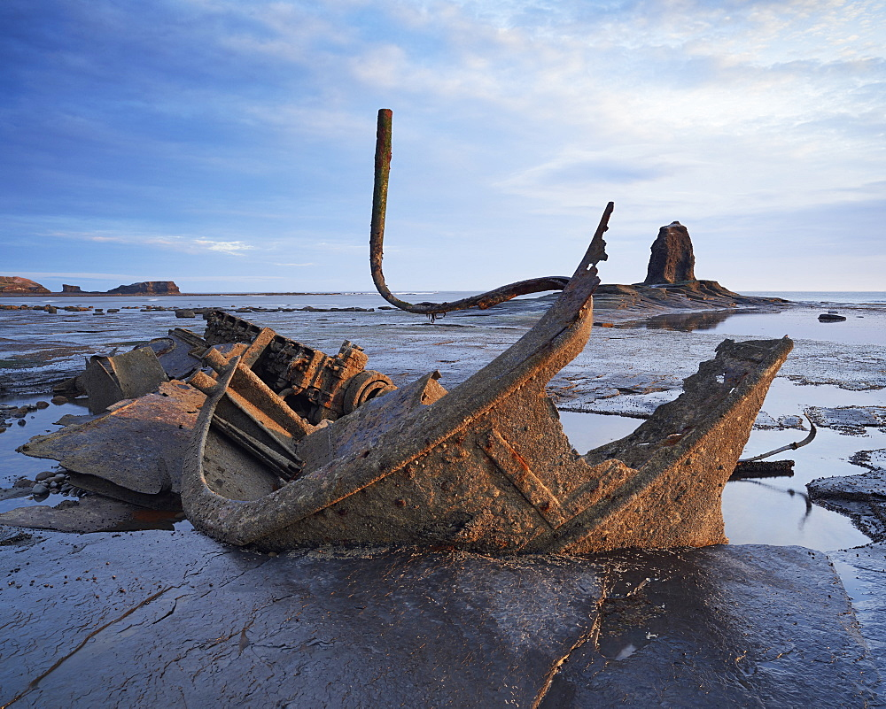 Shipwreck Admiral Von Tromp, Saltwick Bay, North Yorkshire, Yorkshire, England, United Kingdom, Europe - 1273-2