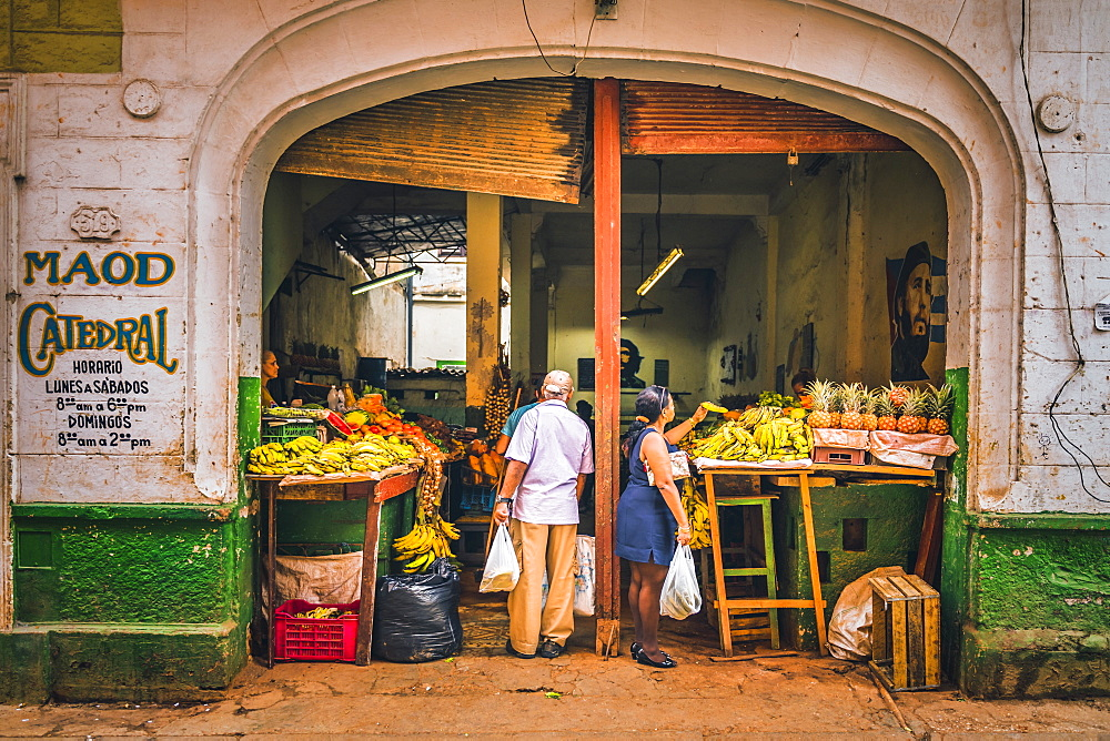 A local market in La Habana (Havana), Cuba, West Indies, Caribbean, Central America