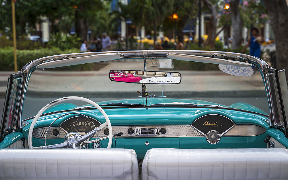 Vintage American taxi car interior, Havana at dusk, UNESCO, La Habana, Cuba, West Indies, Caribbean