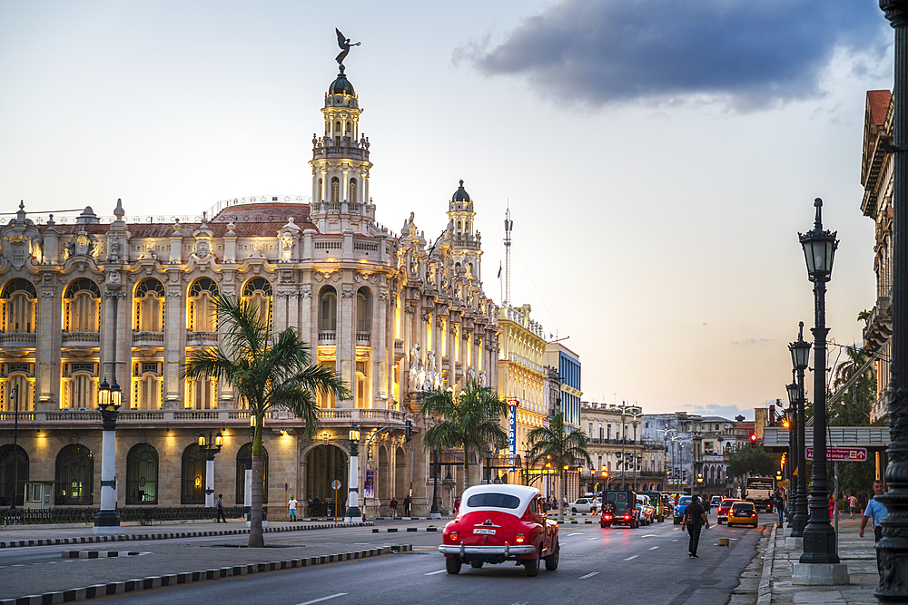 The Gran Teatro de La Habana at dusk, UNESCO, Havana, Cuba, West Indies, Caribbean, Central America