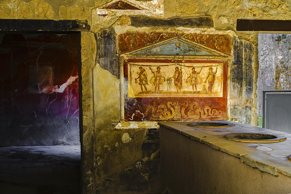Casa e Thermopolium di Vetutitus Placidus, a private house where hot food was served, with lararium room wall painting, Pompeii, UNESCO World Heritage Site, Campania, Italy, Europe