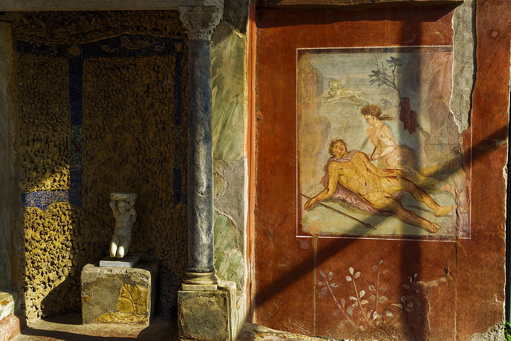 House of Octavius Quartio biclinium fresco (wall painting) of Pyramus and Thisbe on the House of Loreius Tiburtinus, Pompeii, UNESCO World Heritage Site, Campania, Italy, Europe
