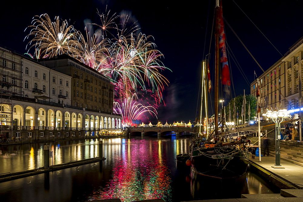 Fireworks during the Alstervergnuegen street fair in Hamburg, Germany, Europe