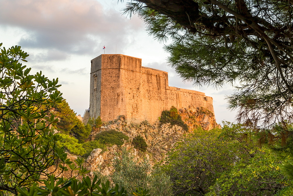 The fortress Lovrijenac (St. Lawrence Fortress) at sunset, Dubrovnik, Croatia, Europe