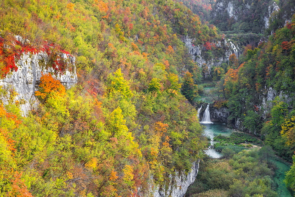 Elevated view over Korana River during autumn, Plitvice, UNESCO World Heritage Site, Croatia, Europe