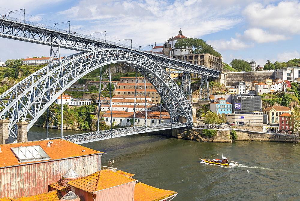 Dom Luis I Bridge over Douro River, Porto, Portugal, Europe