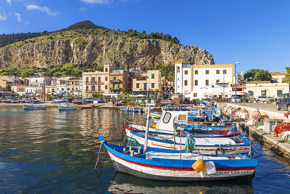 Colorful boats anchoring at the port of Mondello with view to Mount Gallo in the background, Palermo, Sicily, Italy, Europe - 1283-700