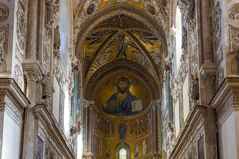 Interior of the cathedral of Cefalu, Sicily, Italy, Europe - 1283-707