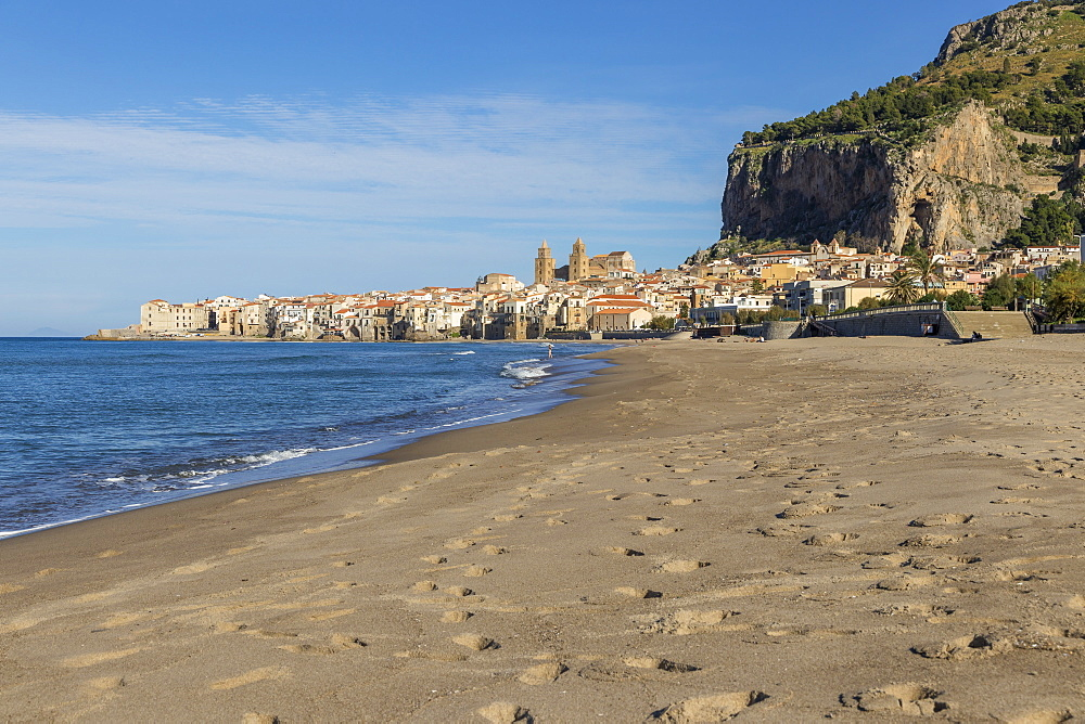 The cathedral and the old town seen from the beach, Cefalu, Sicily, Italy, Europe - 1283-712