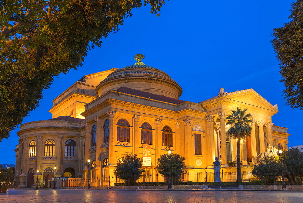 The Massimo Theatre (Teatro Massimo) during blue hour, Palermo, Sicily, Italy, Europe - 1283-753