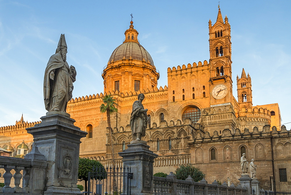 The Palermo Cathedral (UNESCO World Heritage Site) at first sunlight, Palermo, Sicily, Italy, Europe - 1283-759