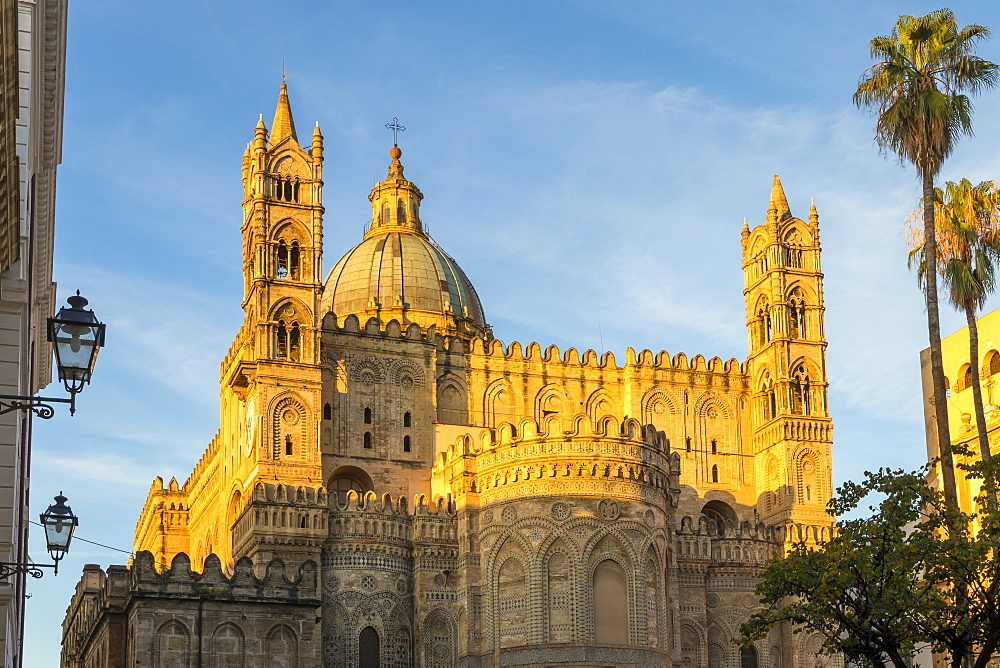 The Palermo Cathedral (UNESCO World Heritage Site) at first sunlight, Palermo, Sicily, Italy, Europe - 1283-761
