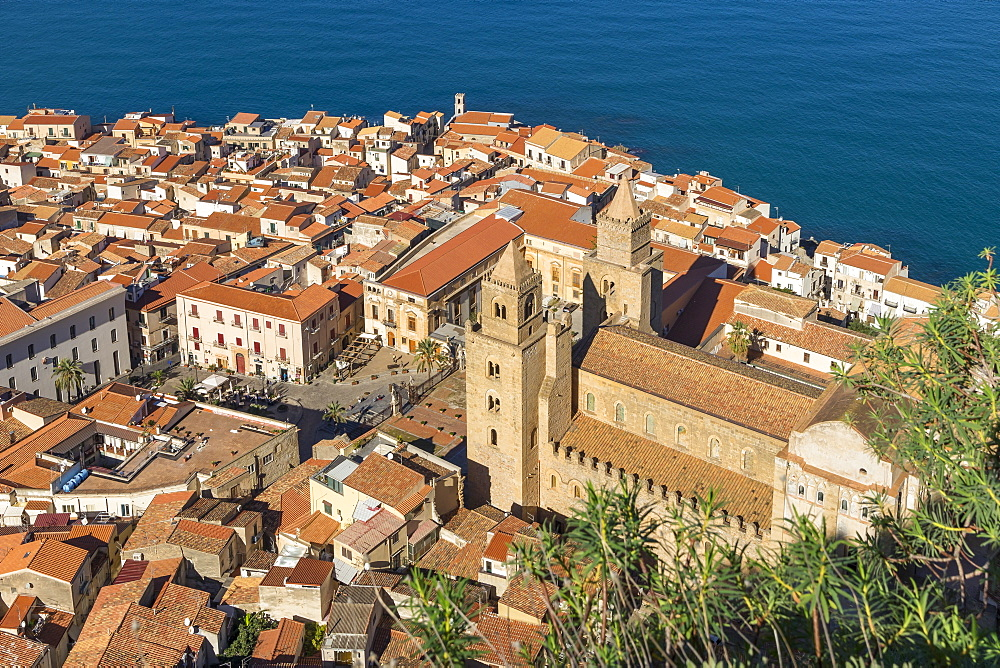 View from Rocca di Cefalu down to the old town and the cathedral, Cefalu, Sicily, Italy, Europe - 1283-787