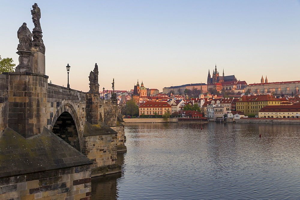 View from Krizovnicke Square to Charles Bridge, Prague Castle and St. Vitus Cathedral, UNESCO World Heritage Site, Prague, Bohemia, Czech Republic, Europe