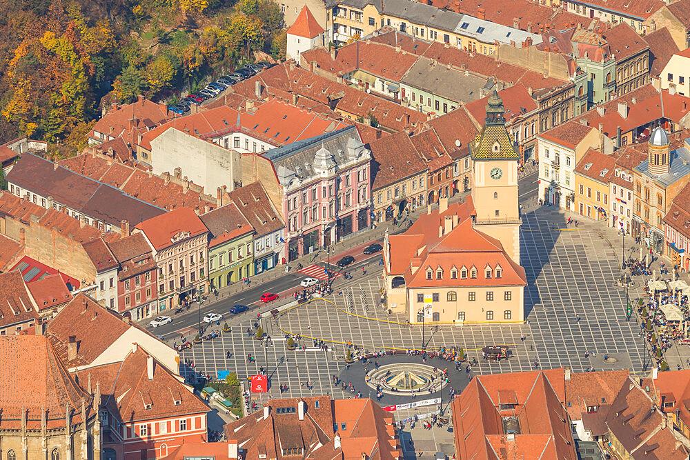 View from Tampa Mountain down to Piata Sfatului (Council Square), Brasov, Transylvania Region, Romania, Europe