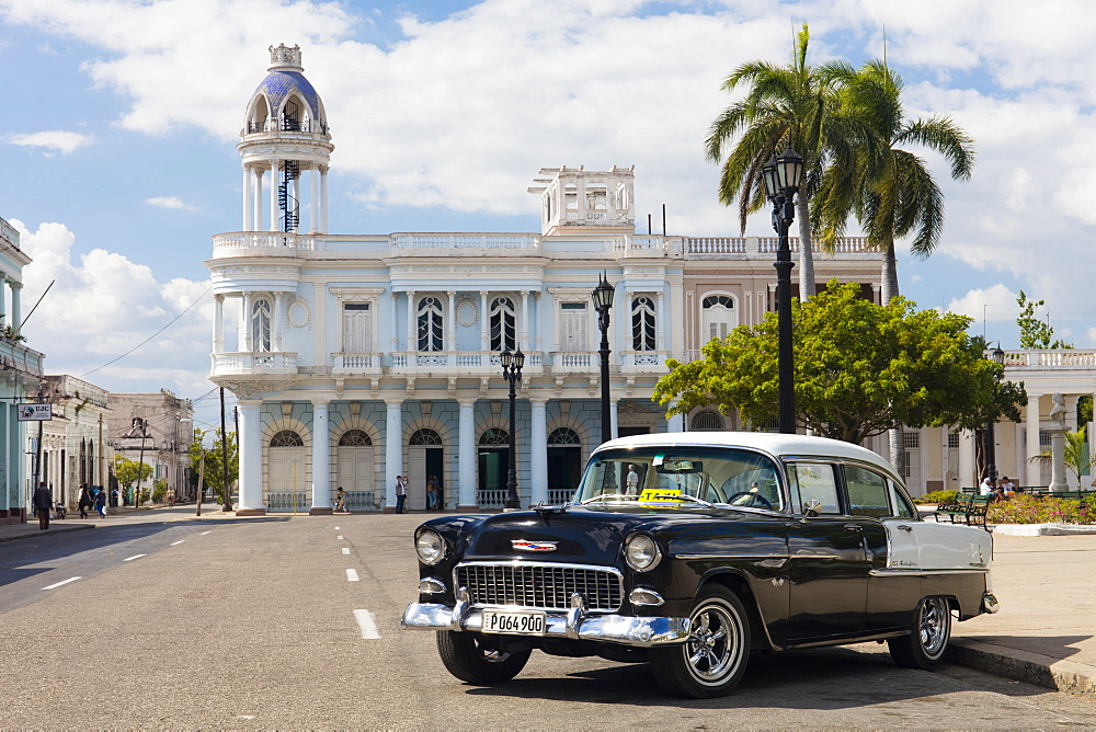 Black and white Chevrolet Bel Air by Plaza Jose Marti, Cienfuegos, UNESCO World Heritage Site, Cuba, West Indies, Caribbean, Central America - 1284-164