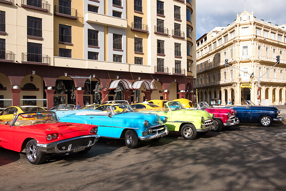 Colourful vintage convertible taxis in Havana, Cuba, West Indies, Caribbean, Central America - 1284-206