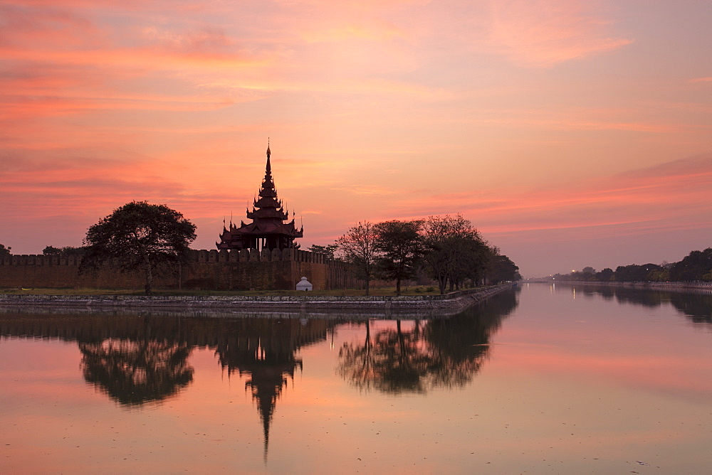 Sunset view of the Royal Palace, City Moat and City Wall in Mandalay, Myanmar (Burma) - 1284-29