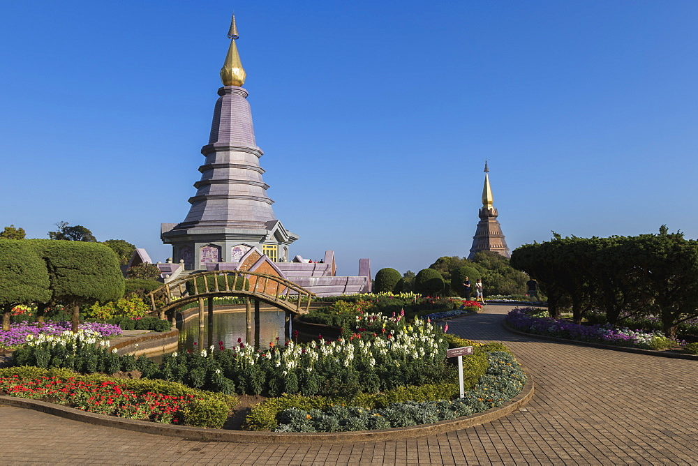 King and Queen Pagodas, Doi Inthanon, Thailand, Southeast Asia, Asia - 1286-39