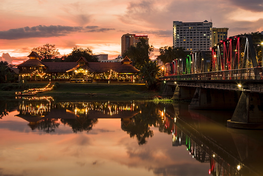 Iron Bridge and The Rivermarket at dusk, Chiang Mai, Thailand, Southeast Asia, Asia