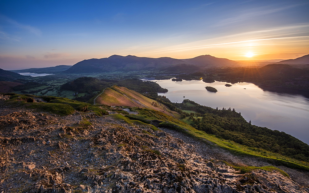 Sunrise over Derwentwater from the summit of Catbells near Keswick, Lake District National Park, UNESCO World Heritage Site, Cumbria, England, United Kingdom, Europe