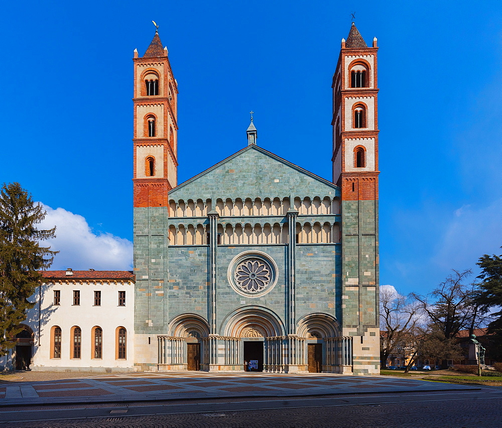 Church of S. Andrea, Vercelli, Piedmont, Italy, Europe