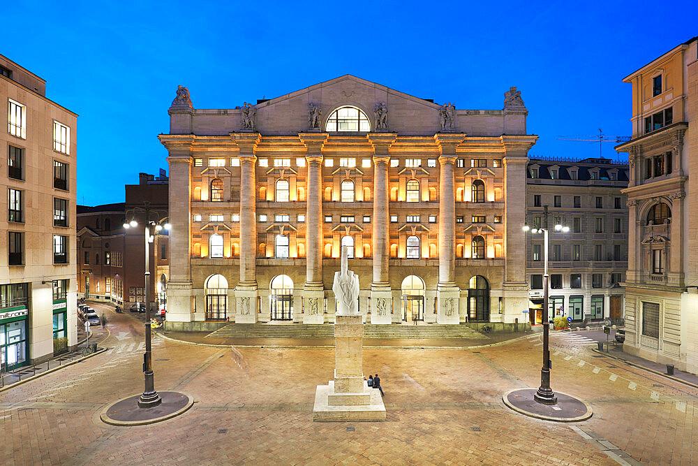 Palazzo Mezzanotte, Piazza degli Affari, Milan, Lombardy, Italy, Europe