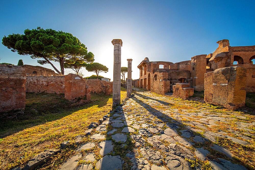 Cardo degli Aurighi, Ostia Antica, Rome, Lazio, Italy, Europe - 1292-1698