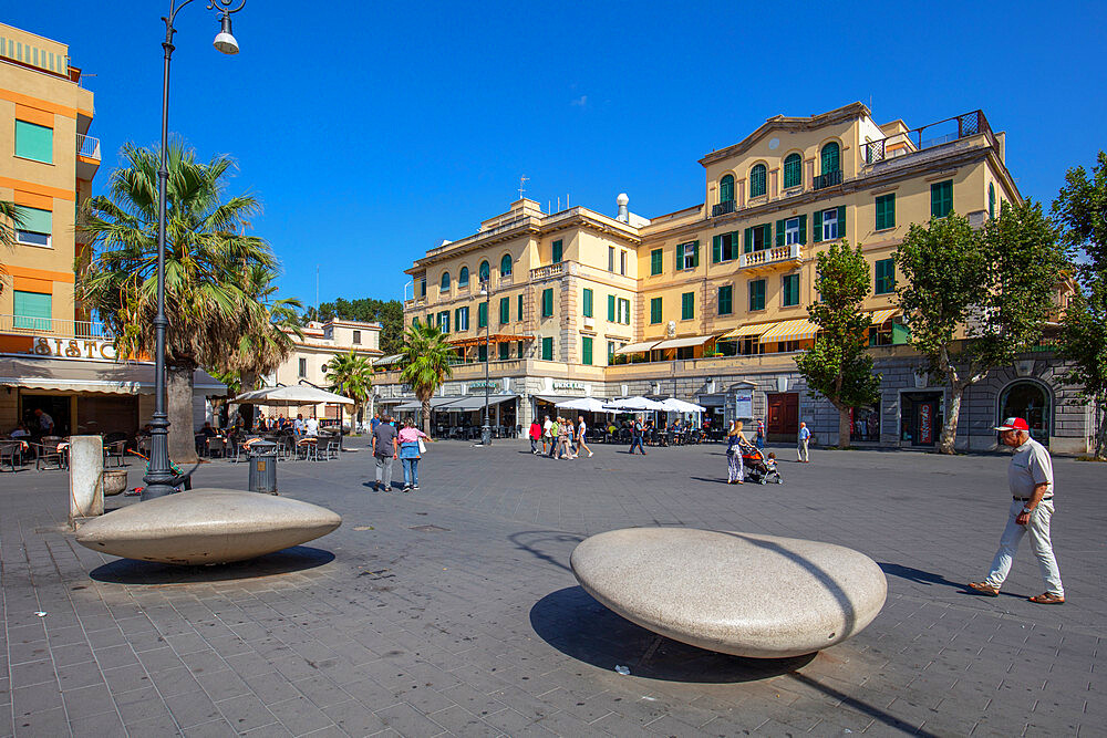 Piazza Anco Marzio, Lido di Ostia, Rome, Lazio, Italy, Europe - 1292-1707