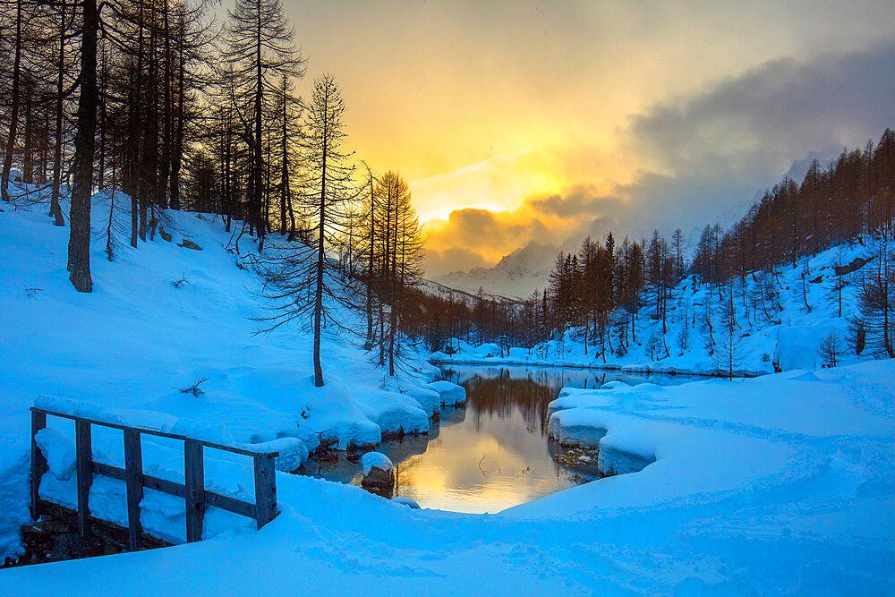 Lake of the Witches (Lago delle Streghe), Alpe Devero, Val d'Ossola, Verbano Cusio Ossola, Piemonte, Italy, Europe - 1292-1710