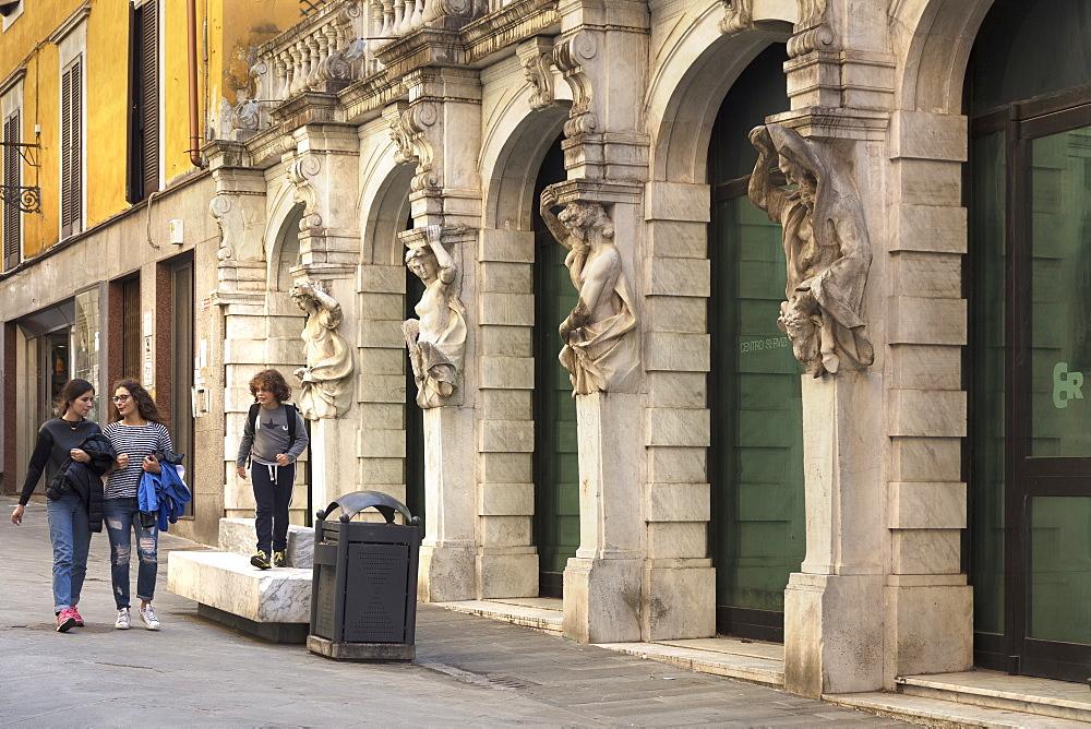 Via Giorgi, Palace of the Cassa di Risparmio di Carrara, Carrara, Tuscany, Italy, Europe