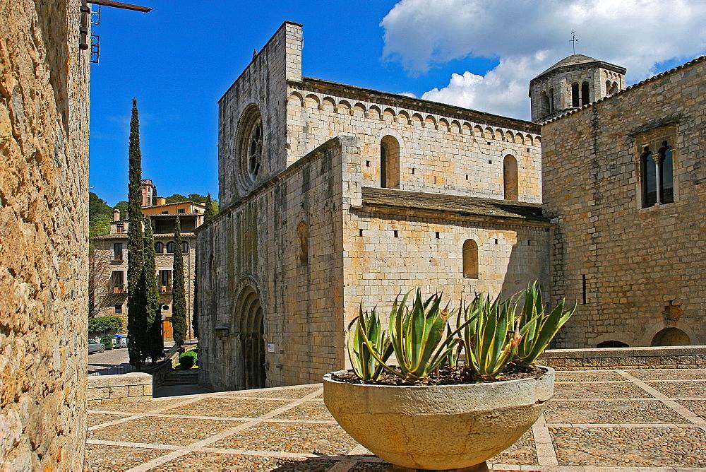 Sant Pere de Galligants Abbey, Gerona, Catalonia, Spain, Europe