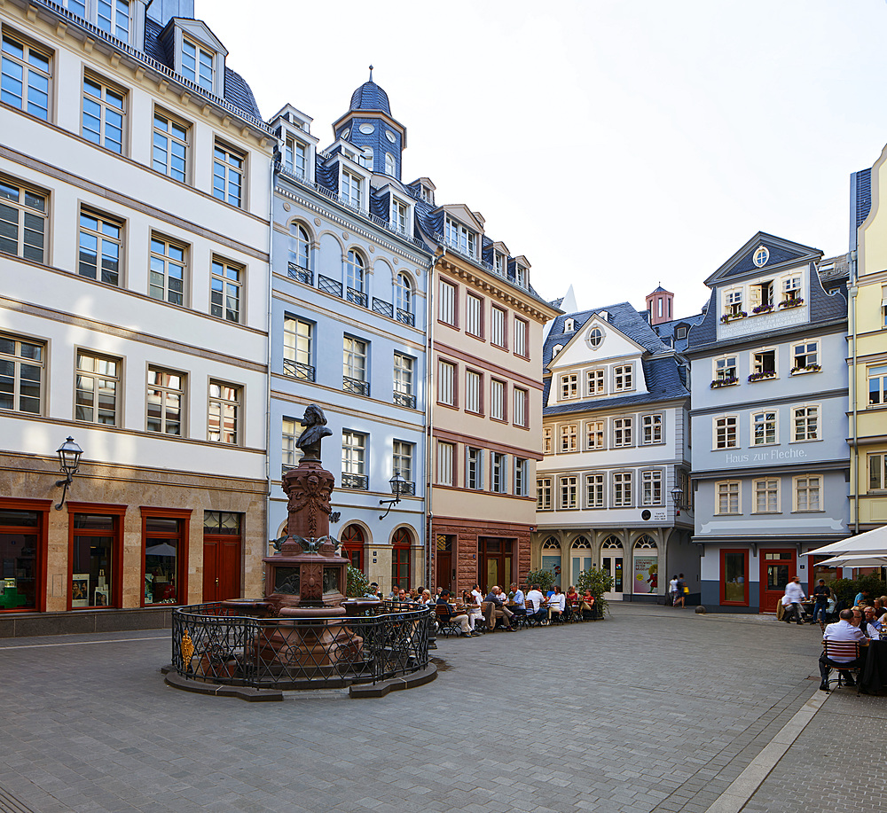 Newly built part of the old town, a mix of modern interpretations in combination with old parts and reproductions of buildings, Frankfurt am Main, Hesse, Germany, Europe - 1294-106