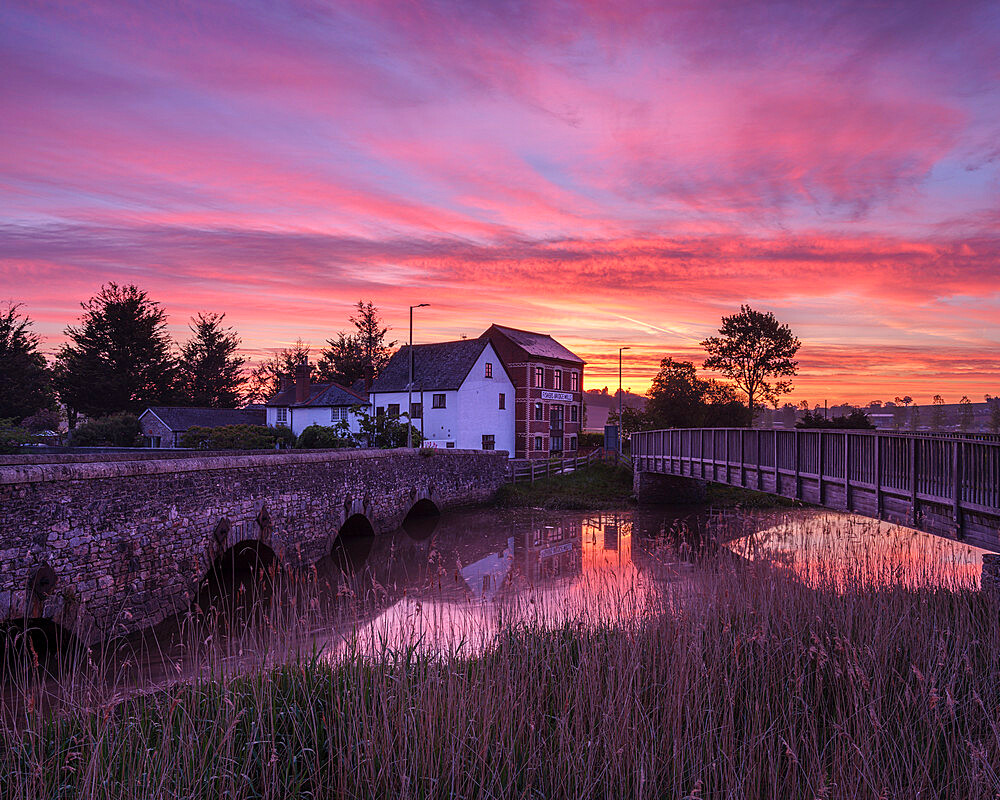 Dawn sky with two bridges over the River Clyst at Topsham, Devon, UK - 1295-243