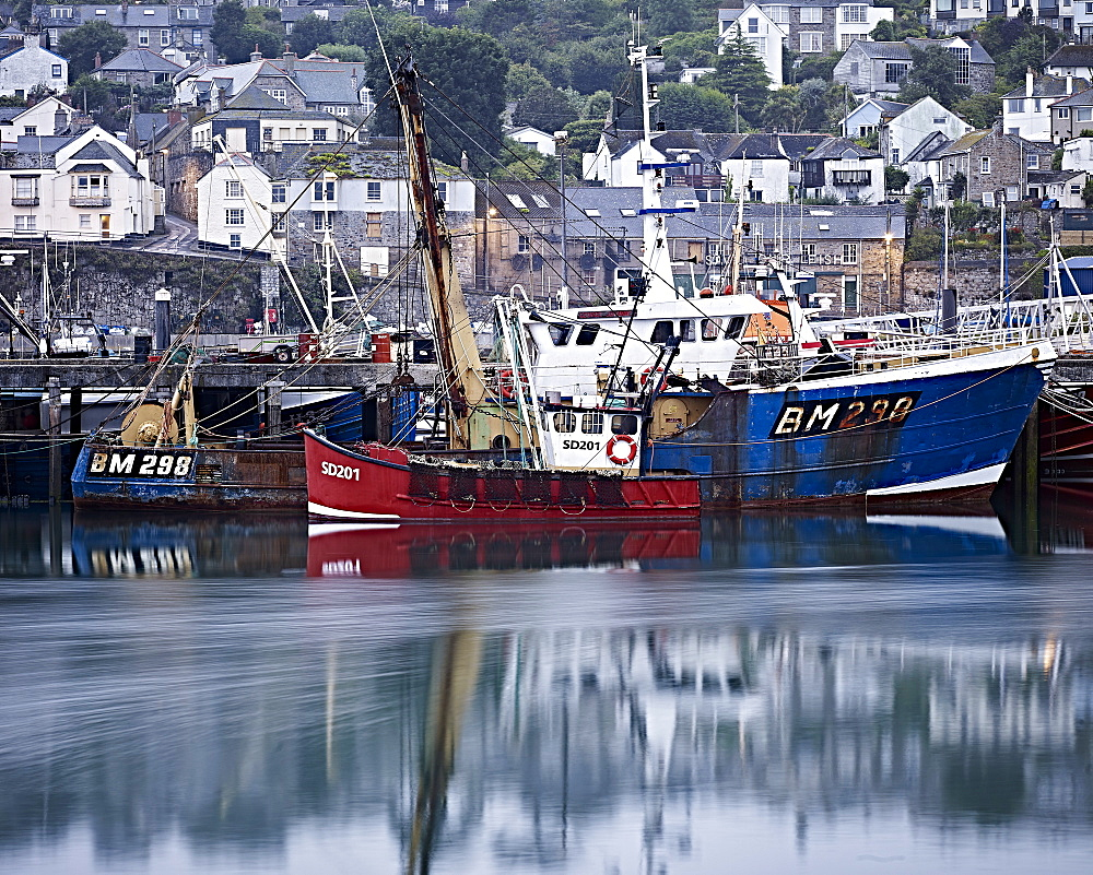Fishing boats in harbour, Newlyn, Cornwall, England, United Kingdom, Europe - 1295-295